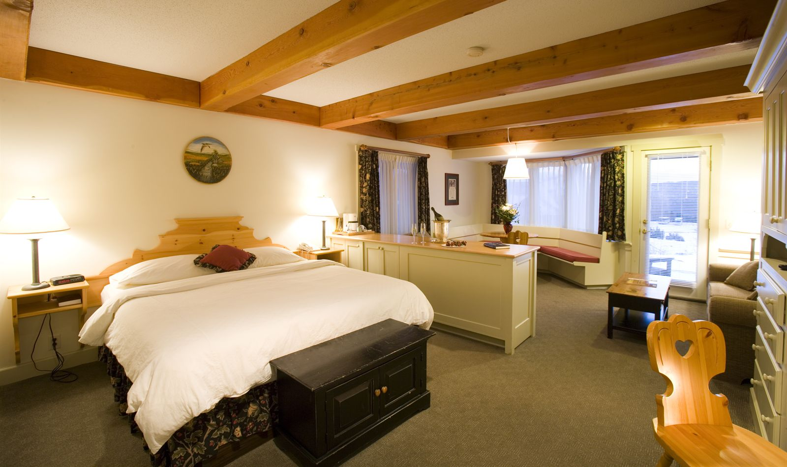Hotel Rooms and  Suites in Stowe, Vermont
